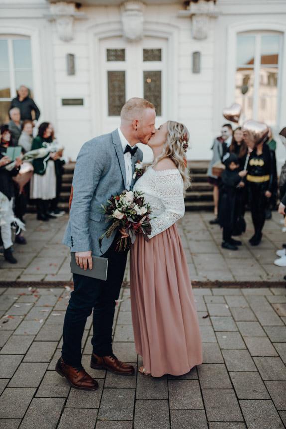 Hochzeitsfotograf-standesamt-zweibrücken-halloween-hochzeit-fasanerie-langner