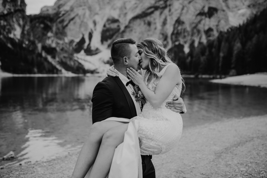 After-wedding-fotoshooting-südtirol-lago-di-braies-elopement-hochzeit-zu-zweit